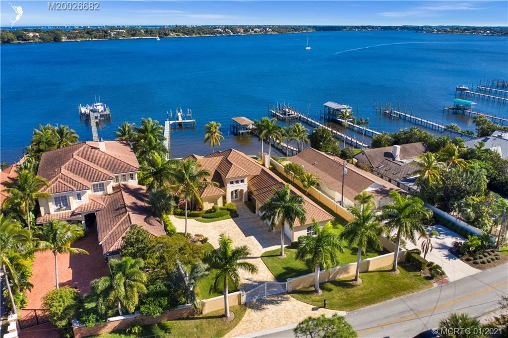 915 SE St Lucie Boulevard, Stuart, FL 34996 - MLS#: M20026682