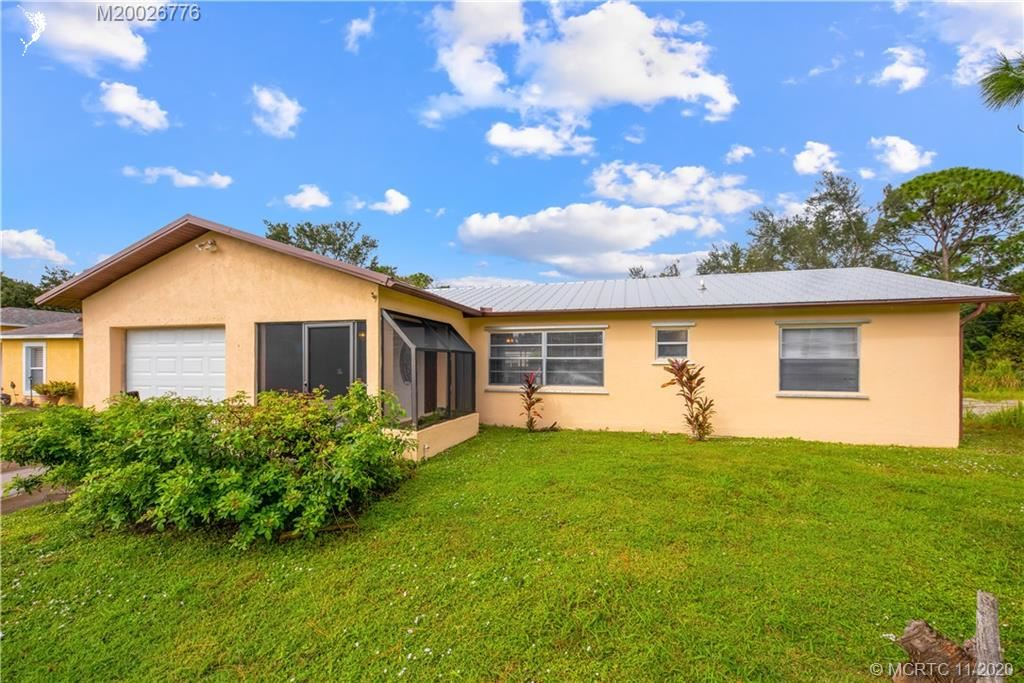 449 SE Evergreen Terrace, Port Saint Lucie, FL 34983 - #: M20026776