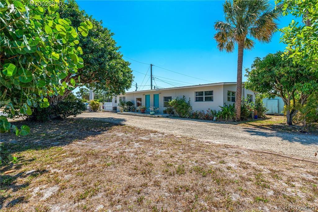 Photo of 800 SE 16th Street, Stuart, FL 34994 (MLS # M20029810)