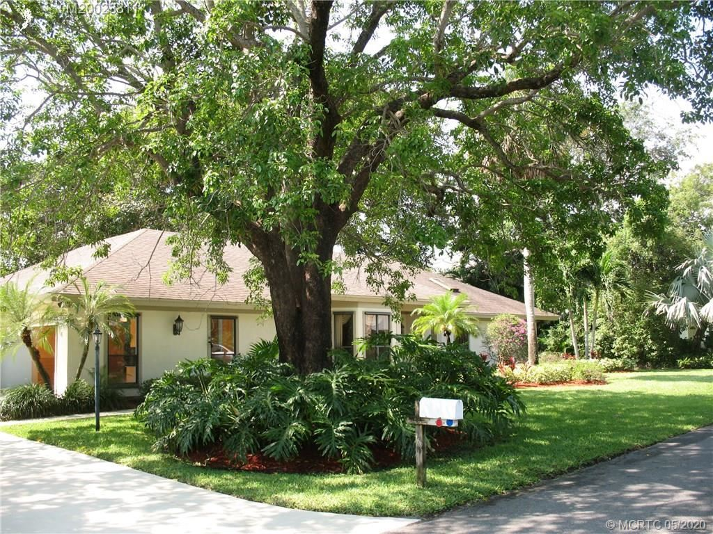 Photo of 13 S Via Lucindia Drive S, Sewalls Point, FL 34996 (MLS # M20023811)
