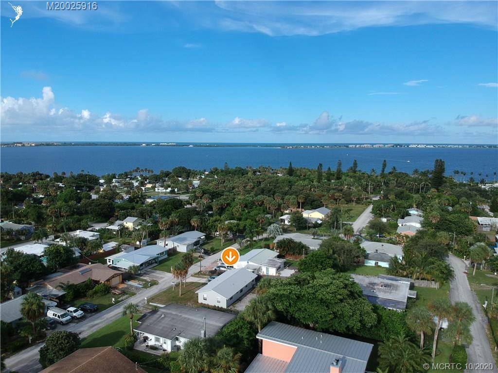 2372 NE Center Cir Circle, Jensen Beach, FL 34957 - MLS#: M20025916