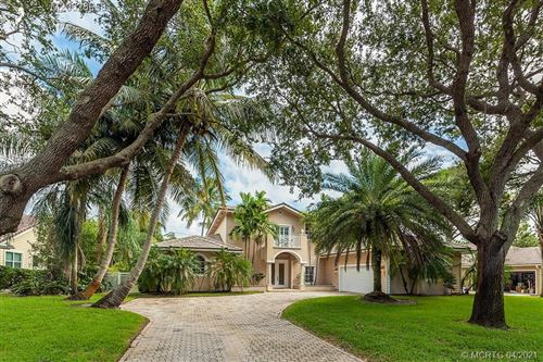 Photo of 18295 SE Ridgeview Drive, Tequesta, FL 33469 (MLS # M20028968)