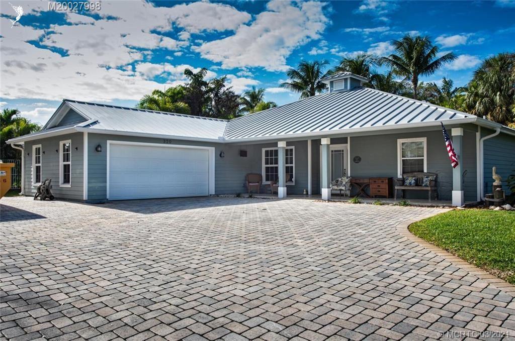 320 SE Pelican Drive, Stuart, FL 34996 - #: M20027998