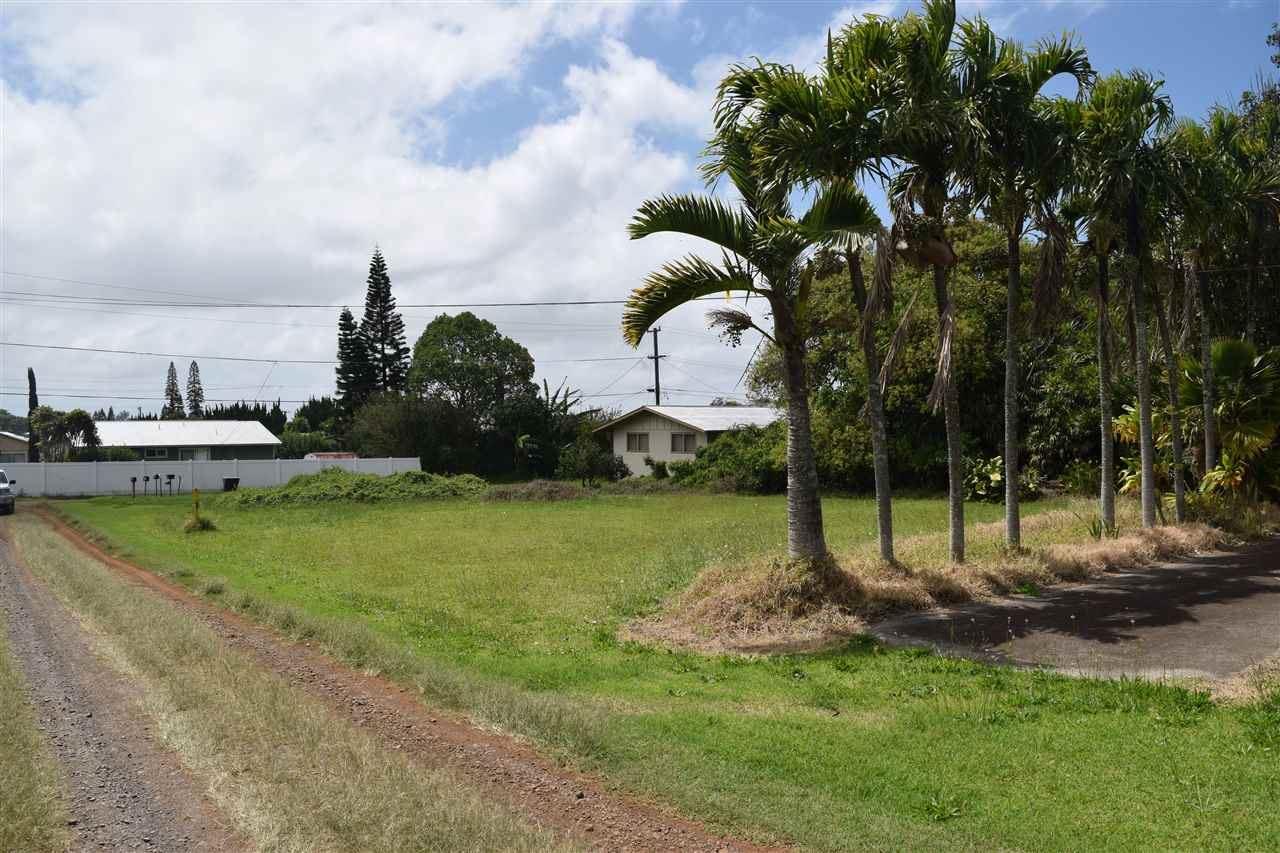 Photo of 71 PAMAKANI Pl #A, Makawao, HI 96768 (MLS # 382110)