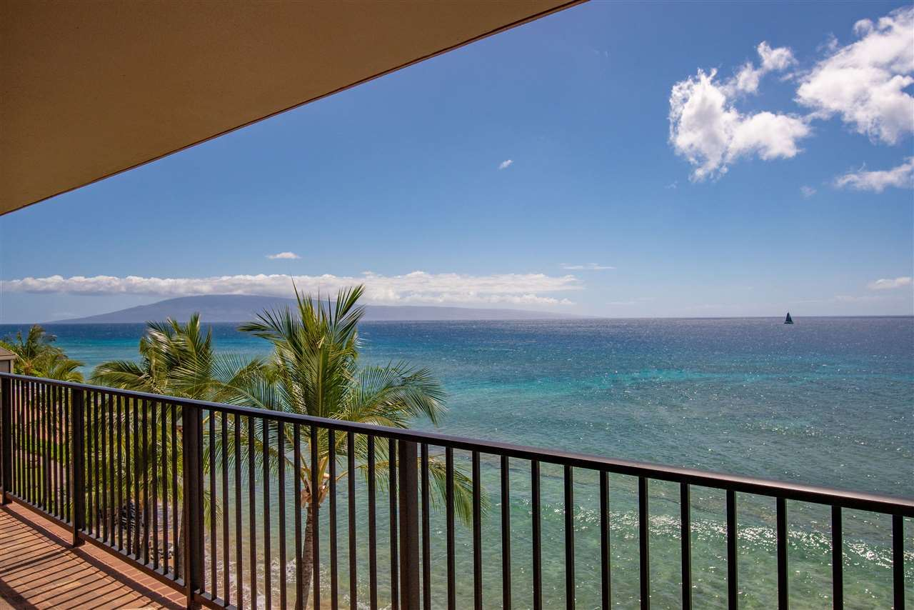 Photo of 3445 Lower Honoapiilani Rd #601, Lahaina, HI 96761 (MLS # 387134)