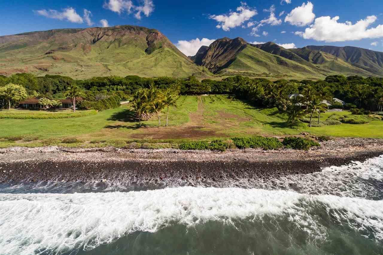 Photo of 63 KUAHULU Pl, Lahaina, HI 96761 (MLS # 387186)