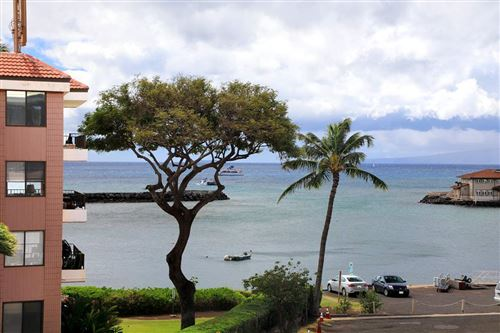 Photo of 20 HAUOLI St #302, Wailuku, HI 96793 (MLS # 387191)