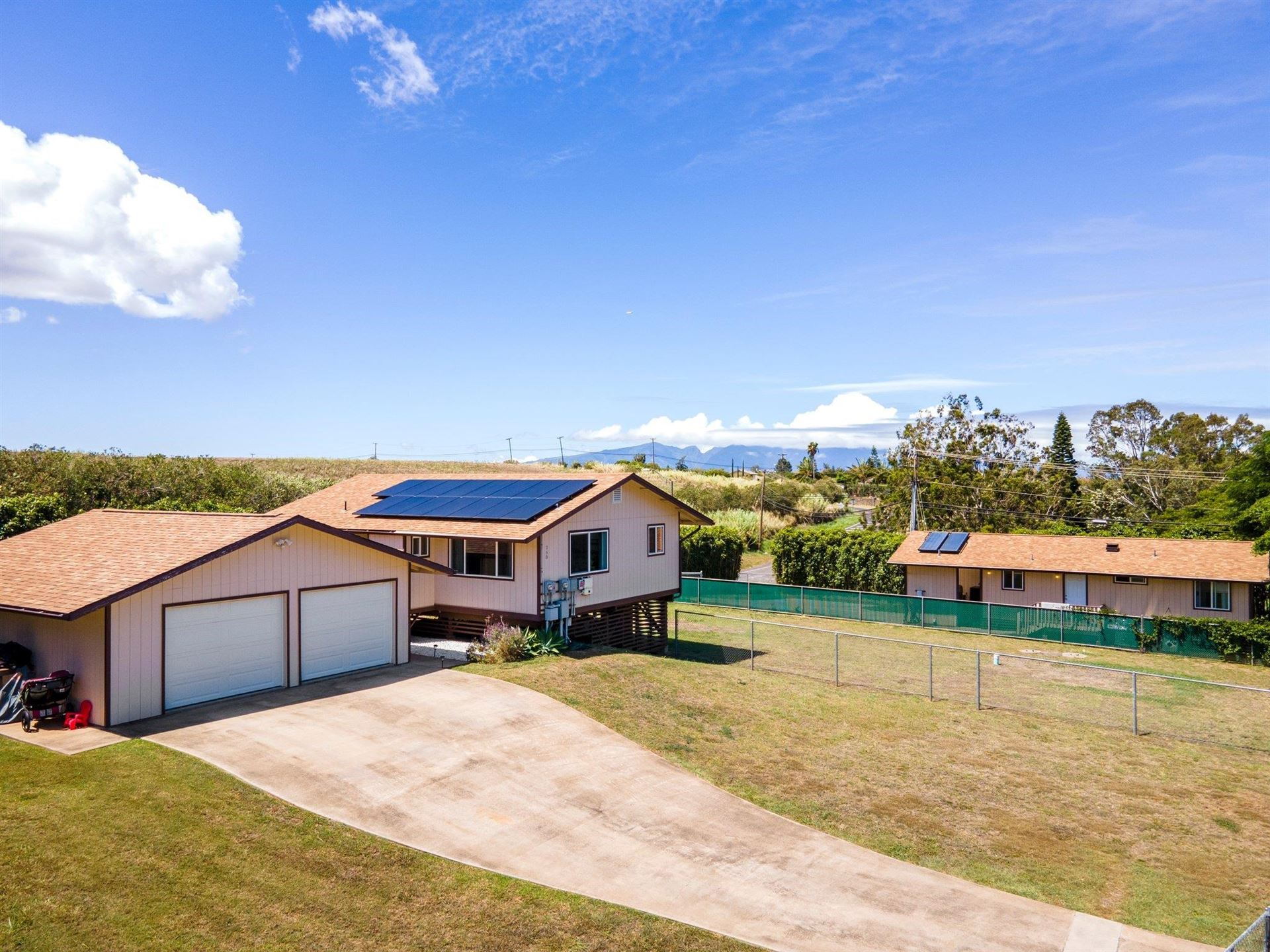Photo of 260 Kapuahi St, Makawao, HI 96768-8009 (MLS # 393238)