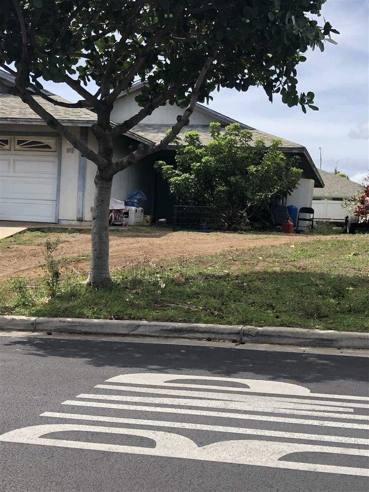 Photo of 352 Kuualoha St, Kahului, HI 96732 (MLS # 390577)