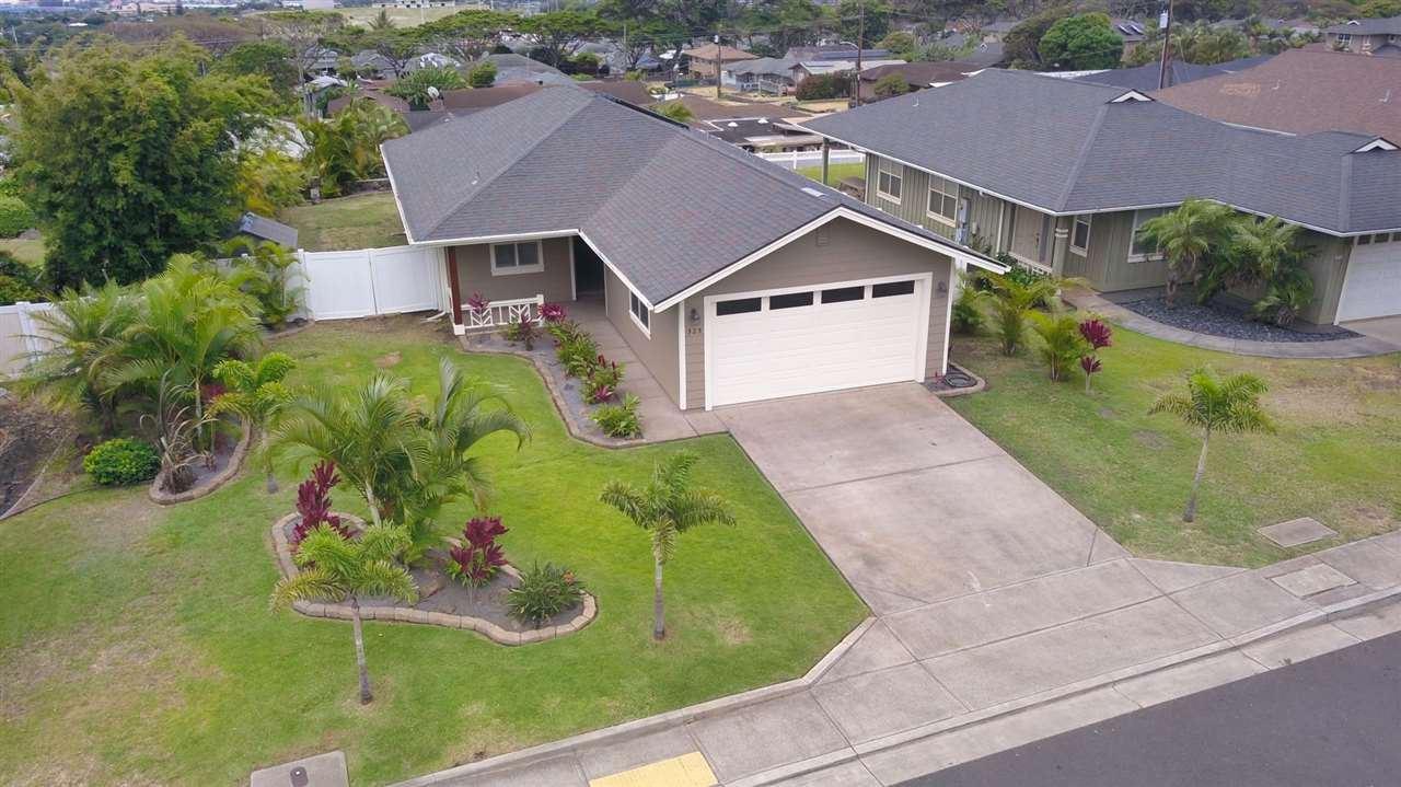 Photo of 525 Komo Ohia St, Wailuku, HI 96793-0000 (MLS # 387697)