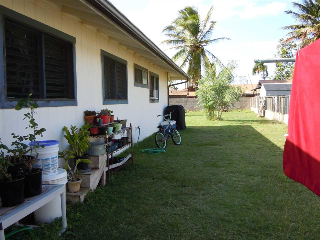 Photo of 890 Makalii St, Kahului, HI 96732 (MLS # 391741)