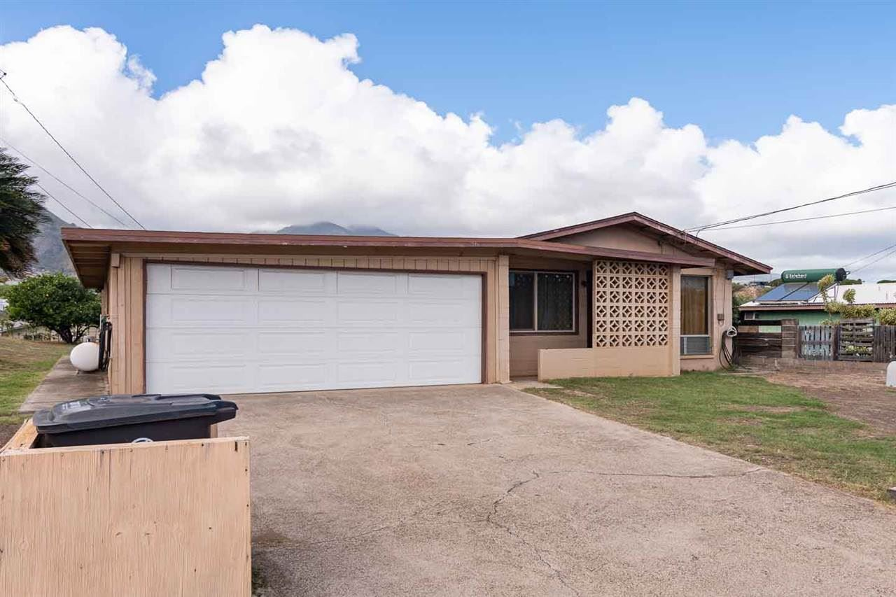 Photo of 362 Naholo Cir, Kahului, HI 96732-1414 (MLS # 389873)