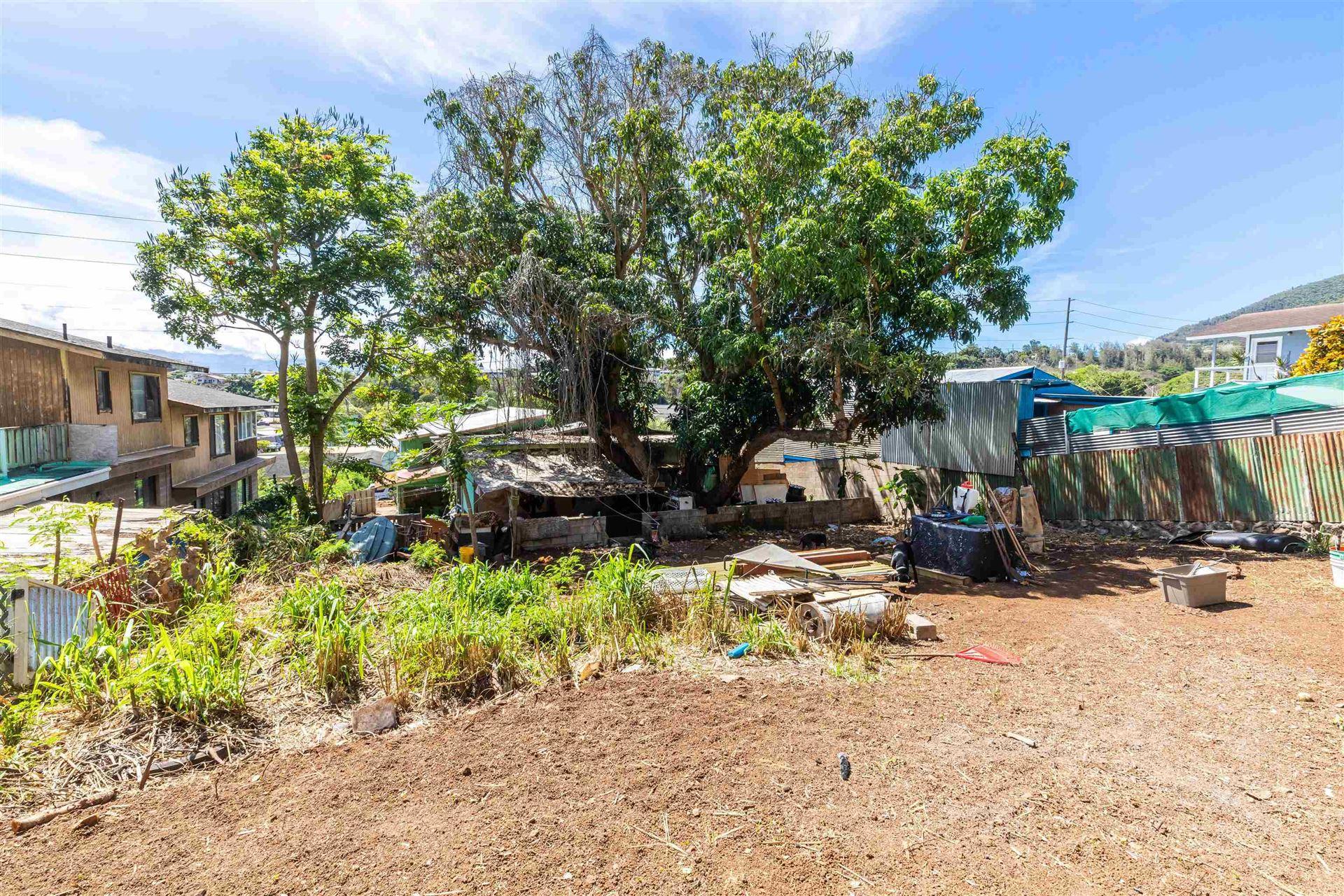 Photo of 2224 Mokuhau Rd, Wailuku, HI 96793 (MLS # 392887)