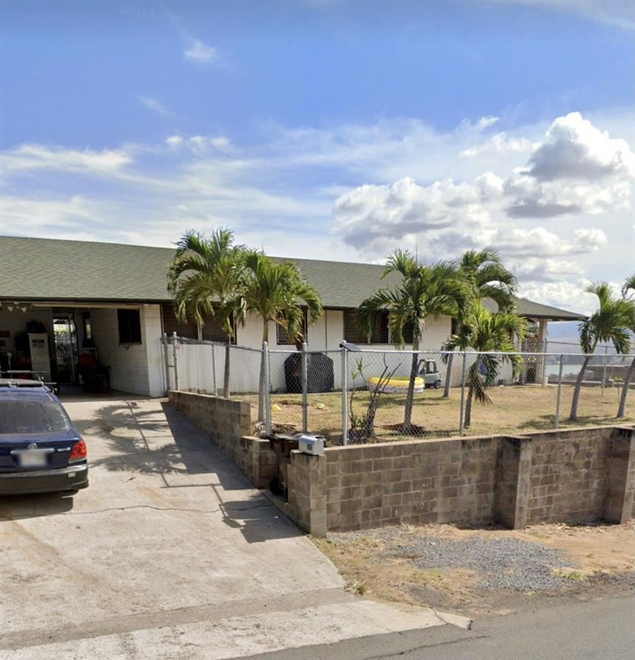Photo of 1684 Nana St, Wailuku, HI 96793-2618 (MLS # 390915)