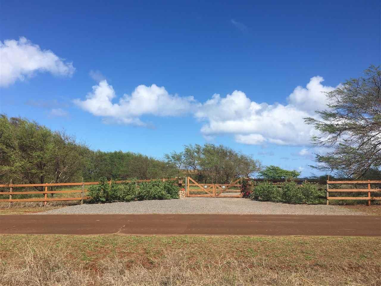 Photo of 3956 Pohakuloa Rd, Maunaloa, HI 96770-0000 (MLS # 392946)