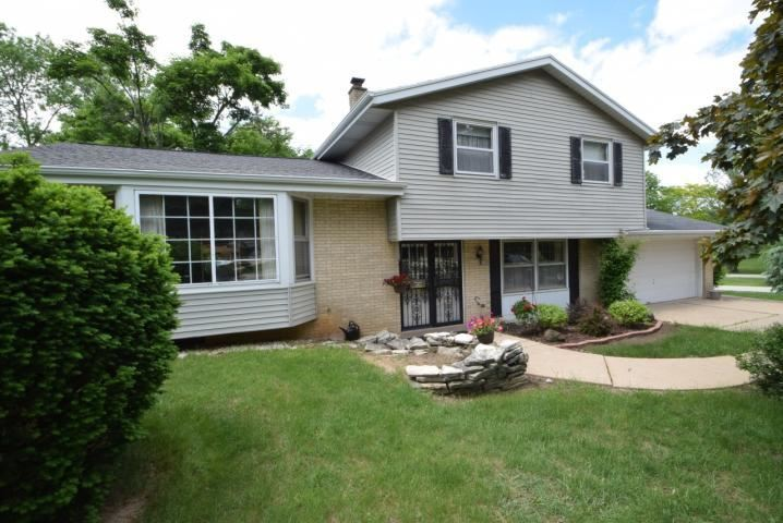 16125 W Yuma Ct, New Berlin, WI 53151 - #: 1700001