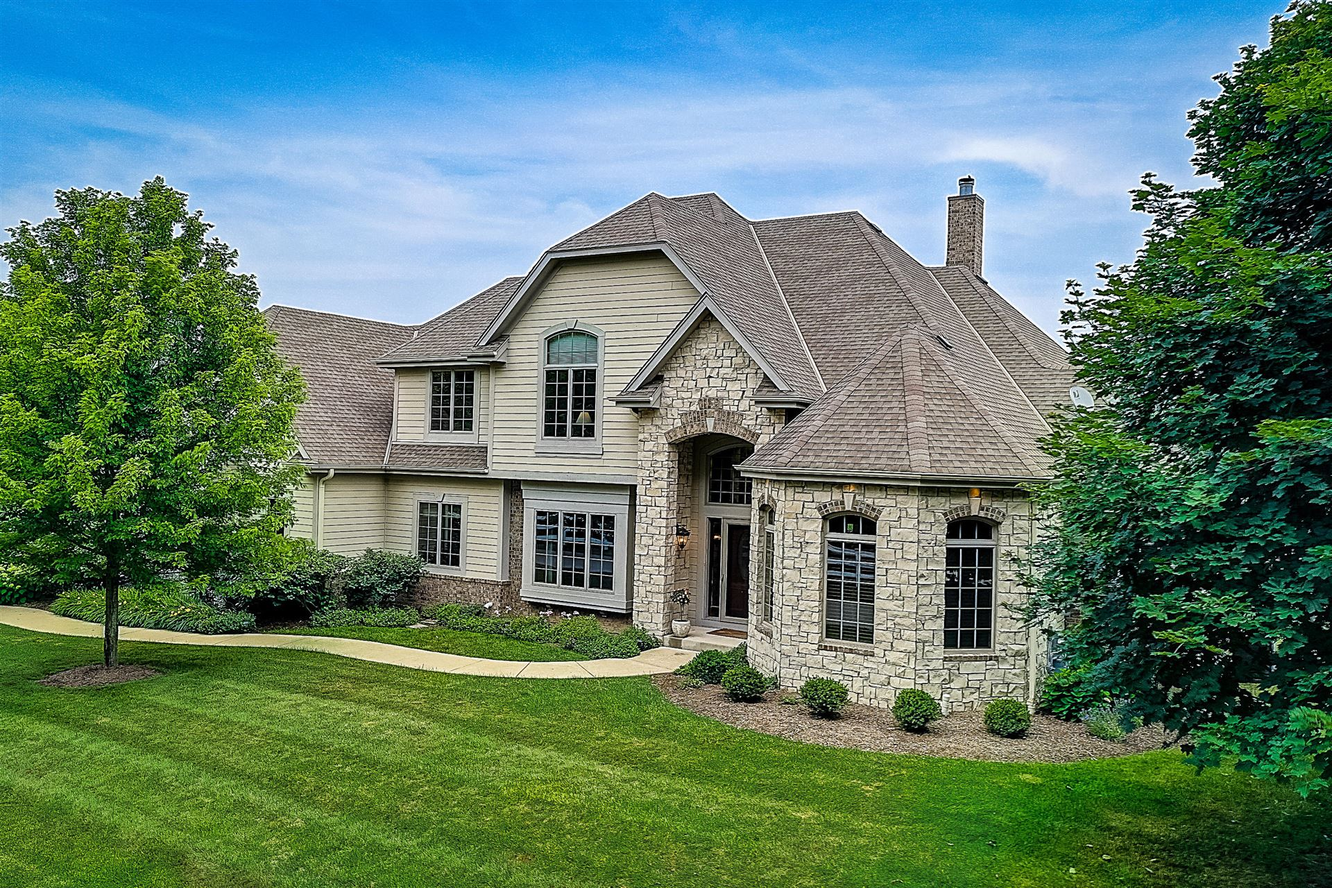 10518 N Stone Creek Dr, Mequon, WI 53092 - #: 1700002