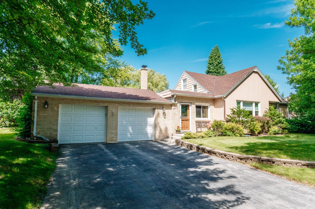 3293 N 105th St, Wauwatosa, WI 53222 - #: 1700003