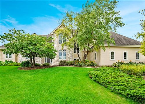 Photo of 7245 W Overlook Ct, Mequon, WI 53092 (MLS # 1704004)