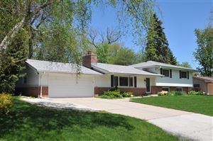 Photo of 2140 W Skyline, Glendale, WI 53209 (MLS # 1639005)