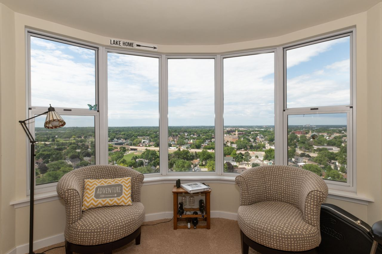 2525 S Shore Dr #19B, Milwaukee, WI 53207 - #: 1701007