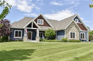 Photo of 1256 Mary Hill Cir, Hartland, WI 53029 (MLS # 1643011)