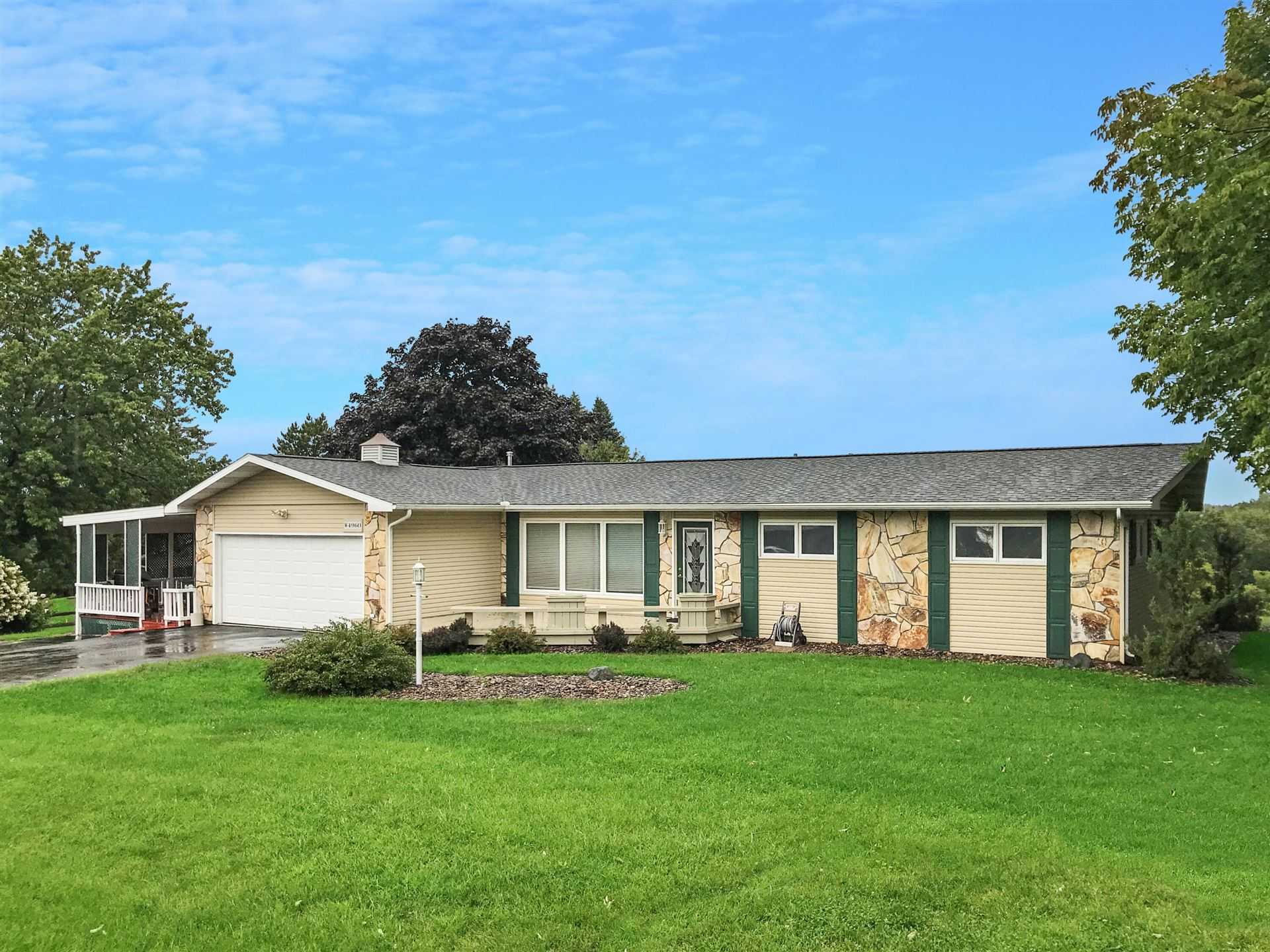 W4960 Woodhaven DR, Shelby, WI 54601 - MLS#: 1760011