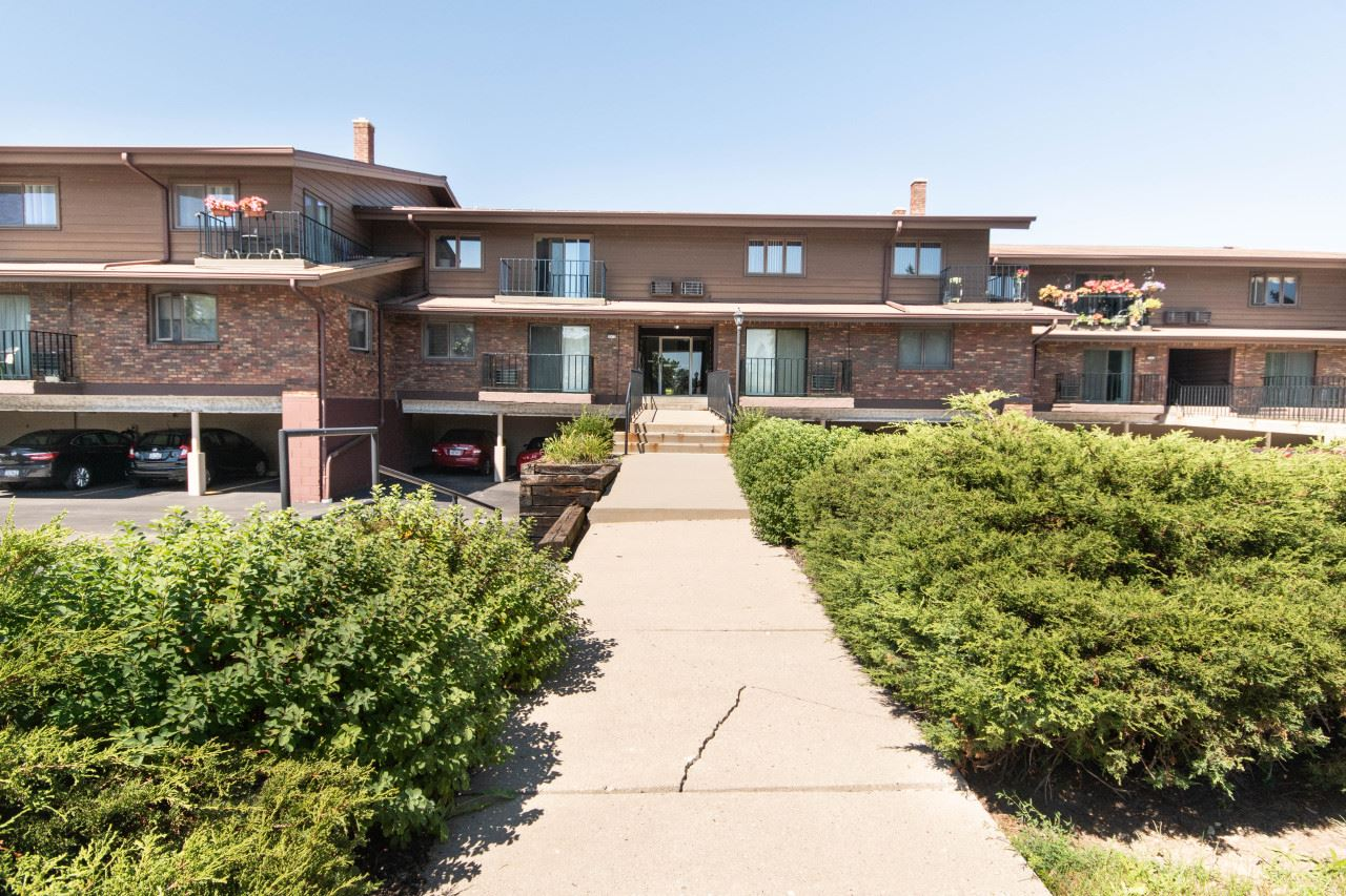 3975 S 84th St #1, Greenfield, WI 53228 - #: 1704022