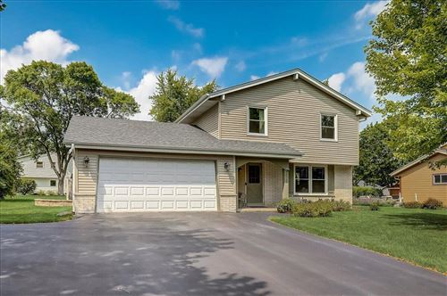 Photo of 15360 W Harcove Dr, New Berlin, WI 53151 (MLS # 1755023)