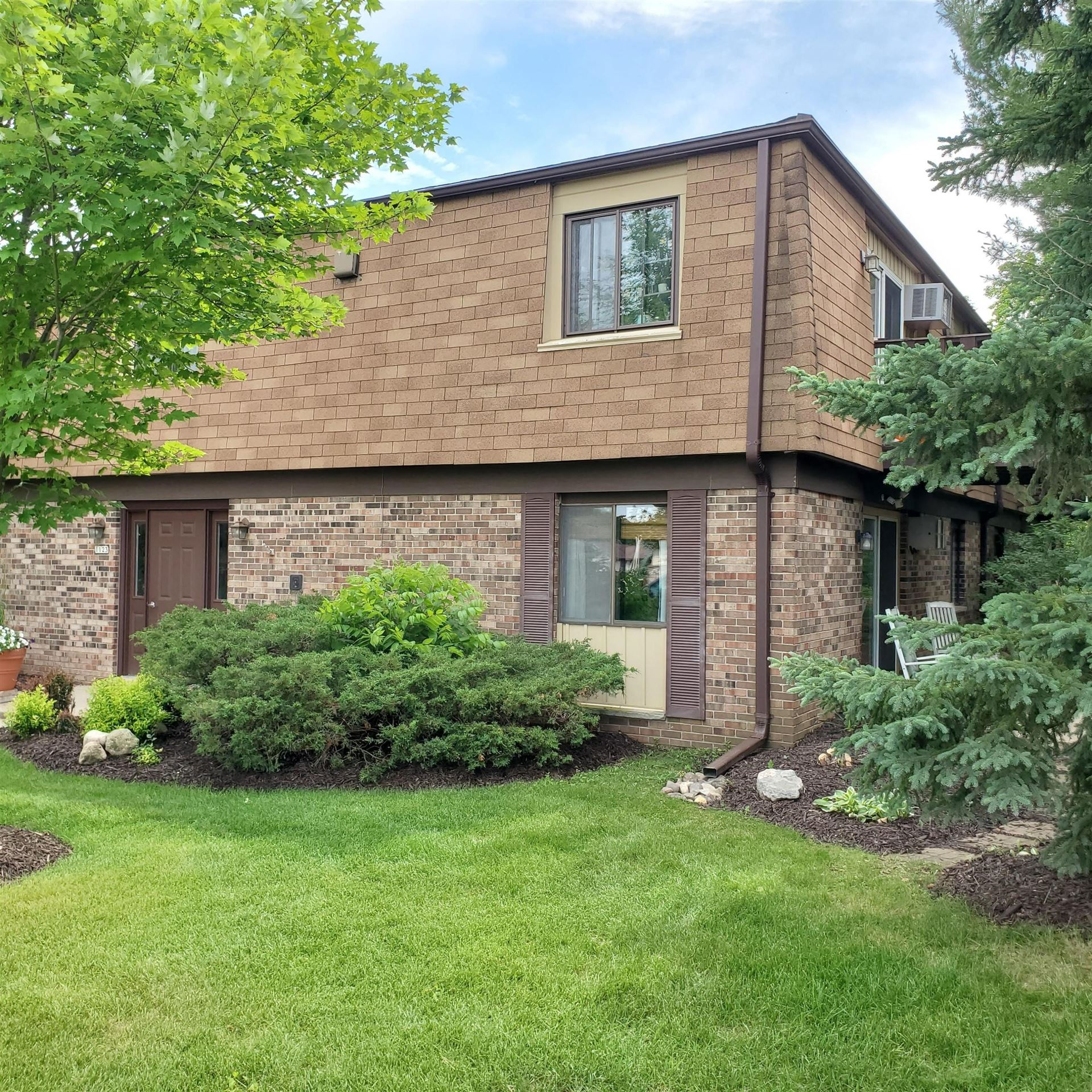 1123 Marcia AVE #105, West Bend, WI 53090 - #: 1696025