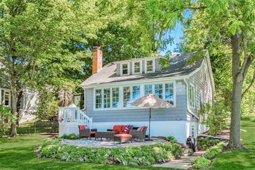 Photo of N21W29844 Glen Cove Rd, Delafield, WI 53072 (MLS # 1704034)
