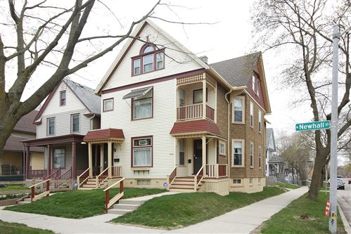 Photo of 2029 N Newhall St #2031, Milwaukee, WI 53202 (MLS # 1735034)