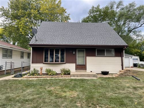 Photo of 4551 S 50th St, Greenfield, WI 53220 (MLS # 1764039)