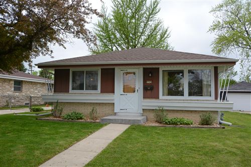 Photo of 5725 N 89th, Milwaukee, WI 53225 (MLS # 1691065)