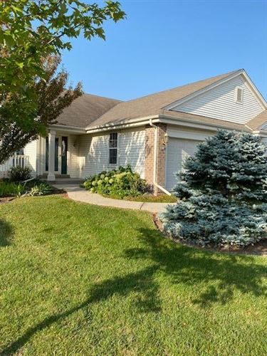 Photo of 834 Sweetbriar Dr, Elkhorn, WI 53121 (MLS # 1712065)