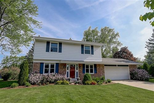 Photo of 132 W Juniper Dr, Grafton, WI 53024 (MLS # 1692068)
