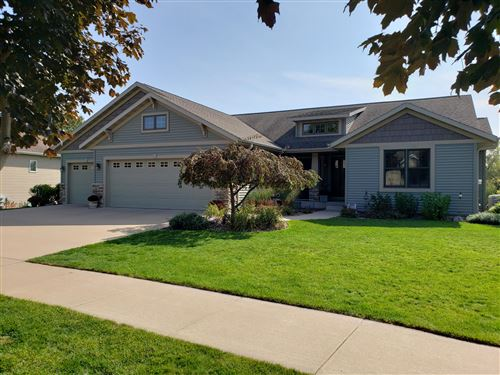 Photo of 810 Oak Timber DR, Onalaska, WI 54650 (MLS # 1712069)
