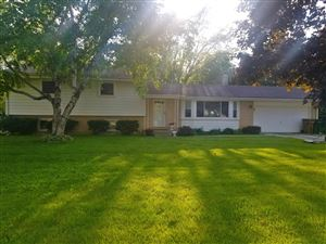 Photo of 6157 N Willow Glen, Glendale, WI 53209 (MLS # 1643070)