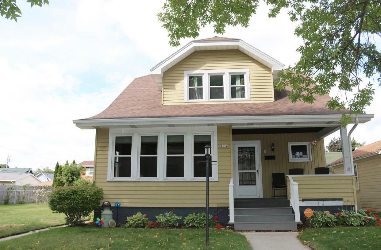 2112 S 11th St, Sheboygan, WI 53081 - #: 1689073