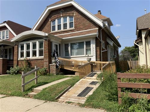 Photo of 2210 W Lincoln Ave, Milwaukee, WI 53215 (MLS # 1708077)