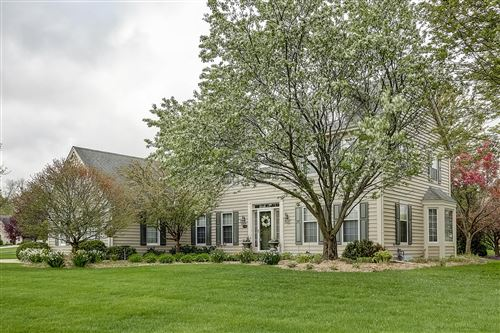 Photo of 12945 W Hawthorne Ln, New Berlin, WI 53151 (MLS # 1691078)