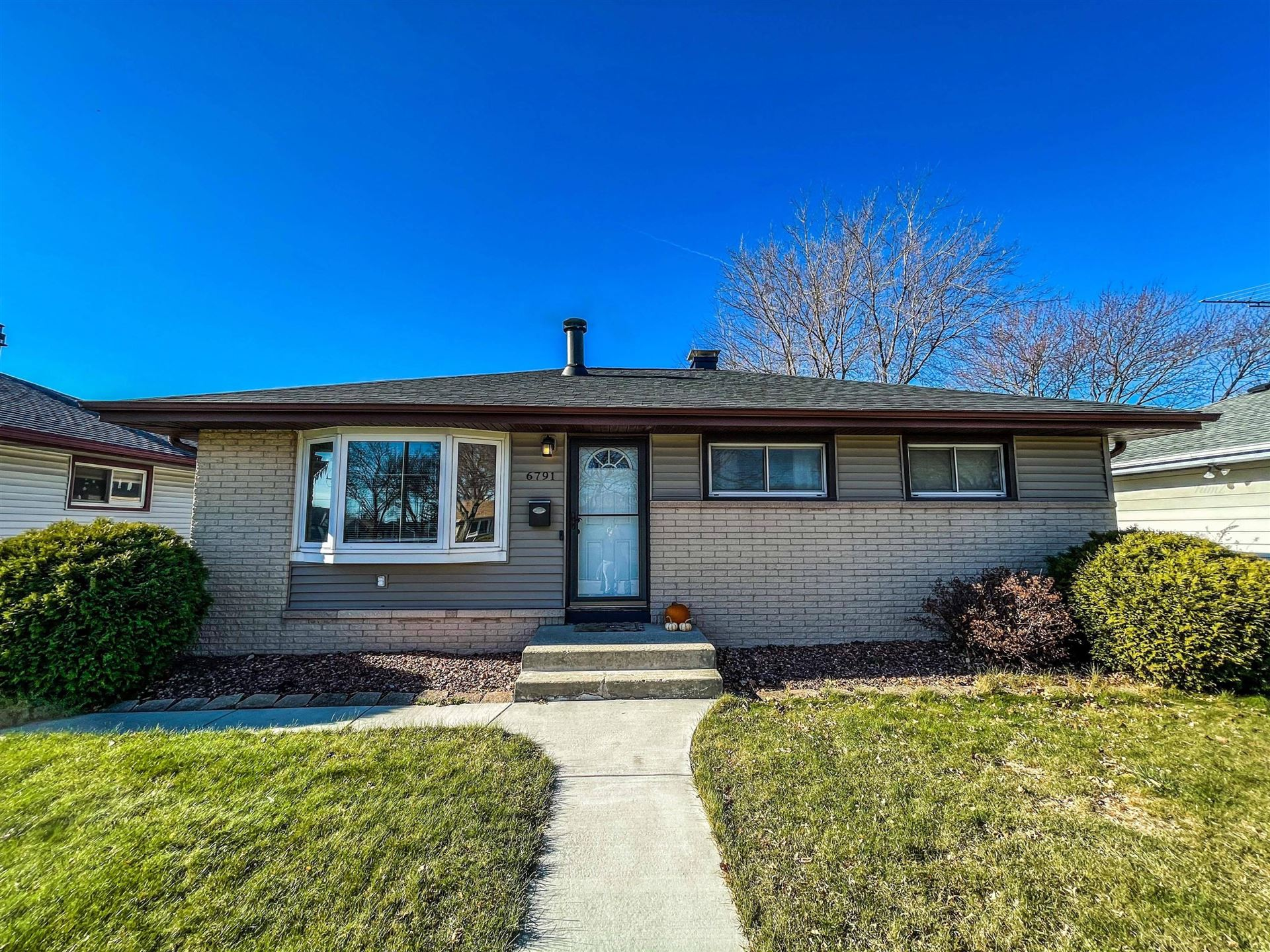 6791 S 19th St, Milwaukee, WI 53221 - #: 1719080
