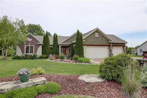 Photo of 10174 S Janus Dr, Oak Creek, WI 53154 (MLS # 1689081)