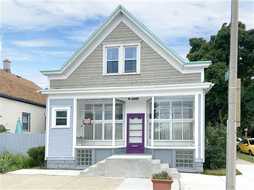 Photo of 733 W Lincoln Ave, Milwaukee, WI 53215 (MLS # 1762089)