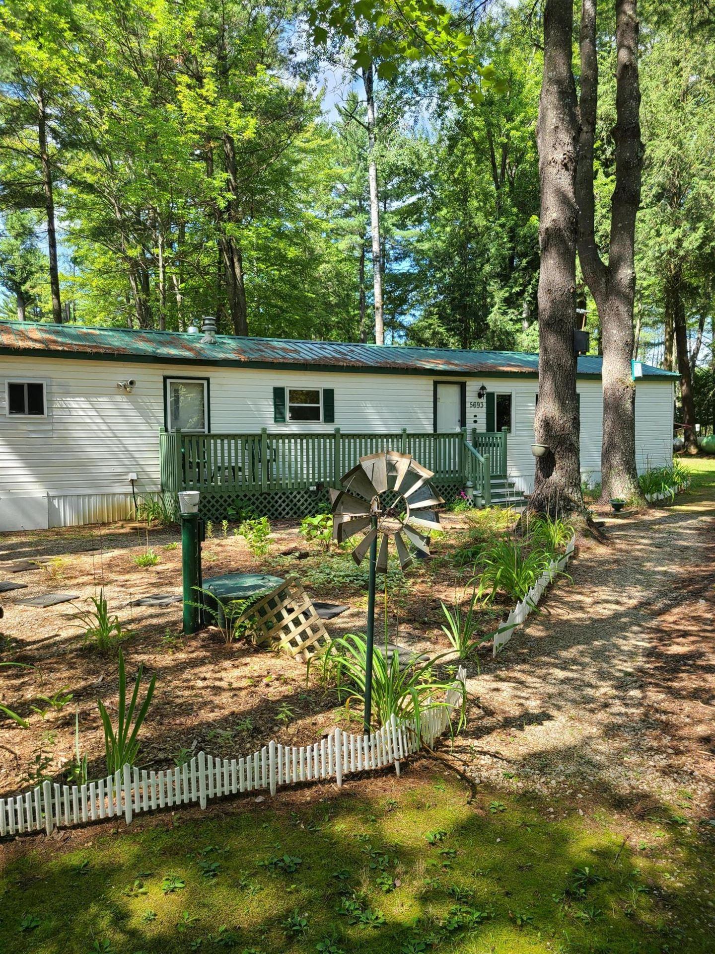 W5693 Pines LN, Wausaukee, WI 54177 - #: 1758092