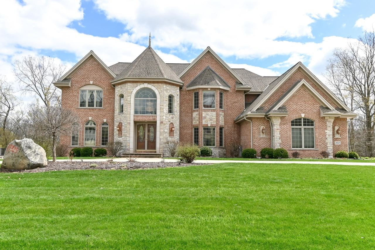 19325 Rivendell Dr, Brookfield, WI 53045 - #: 1689098