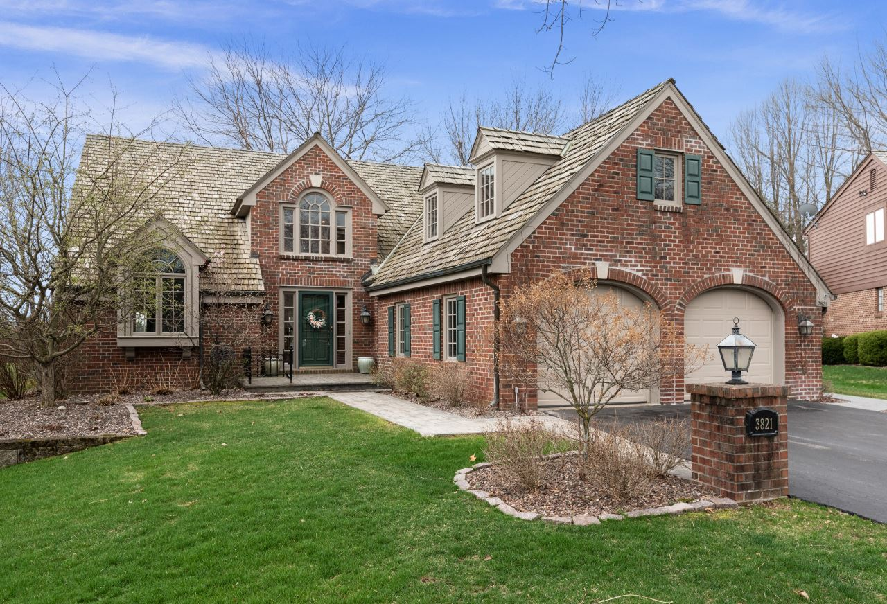 3821 W Fairway Heights Dr, Mequon, WI 53092 - #: 1736100