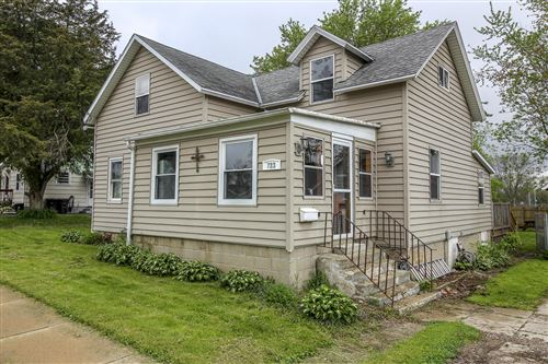 Photo of 723 Wisconsin Dr, Jefferson, WI 53549 (MLS # 1691101)