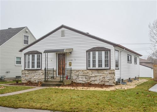 Photo of 9703 W Sarasota Pl, Milwaukee, WI 53222 (MLS # 1670104)