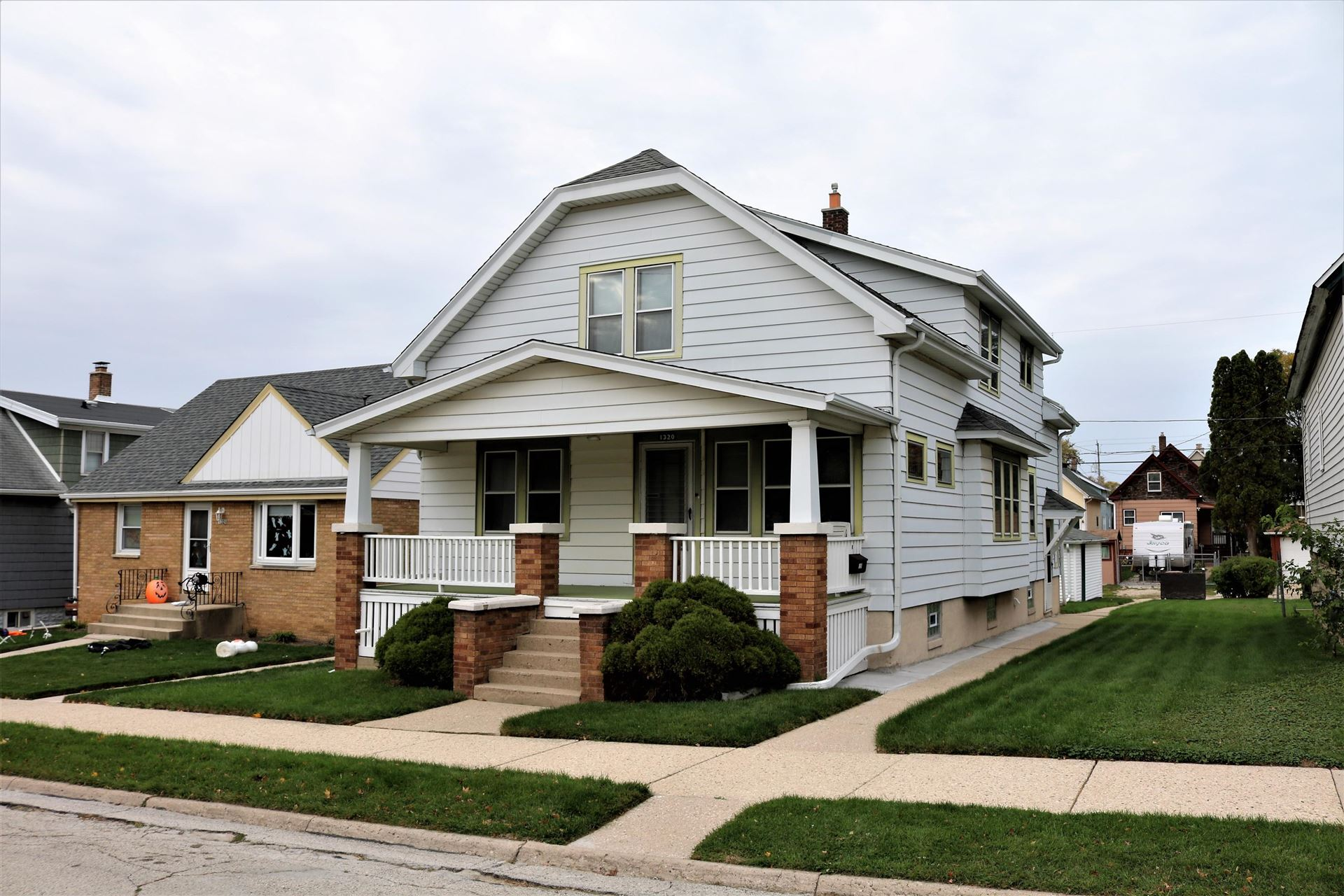 1320 Michigan Ave, South Milwaukee, WI 53172 - #: 1715104
